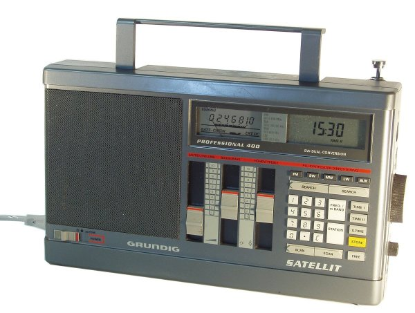 Grundig Satellit 400